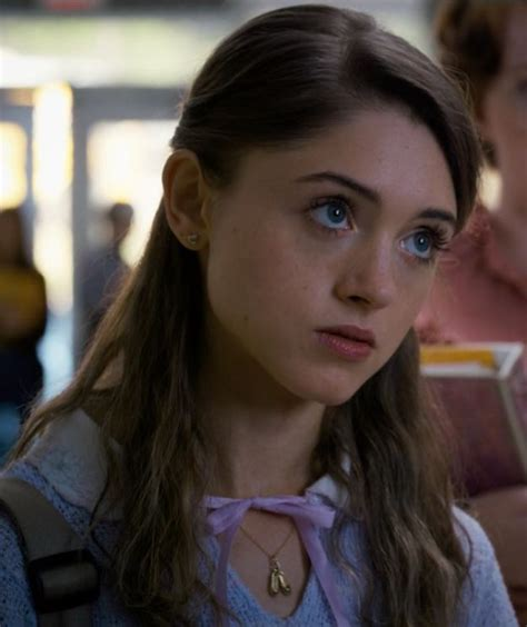 Nancy Wheeler from Stranger Things - collar with tie
