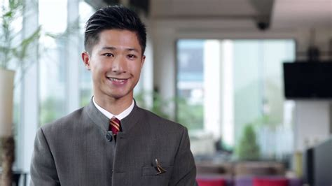 Cabin Crew at Cathay Pacific - Kidipop Li - YouTube