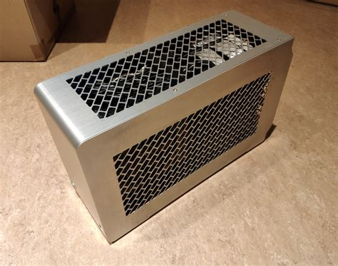 DAN A4-SFX: The smallest gaming case in the world   Page