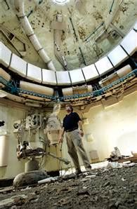 Volunteers fix up decaying Skylab mock-up - Technology