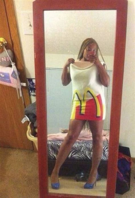Girls Trying To Look Sexy But Horribly Fails - Barnorama