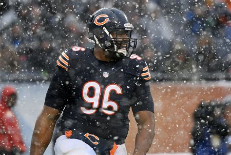 Chicago Bears should look to extend Akiem Hicks prior to