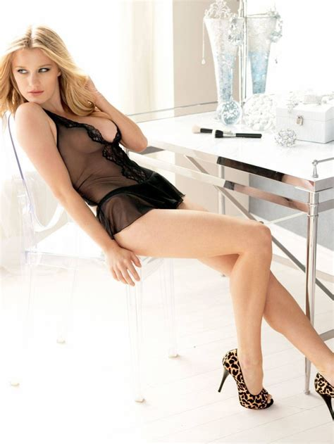 Hottest Woman 12/9/14 – ASHLEY HINSHAW (Agent Carter